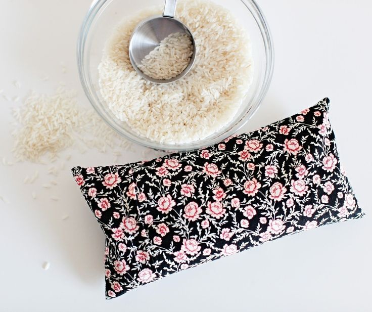 Diy Microwavable Rice Heating Pad  •  Free tutorial with pictures on how to make a heat pack / cold pack in under 60 minutes