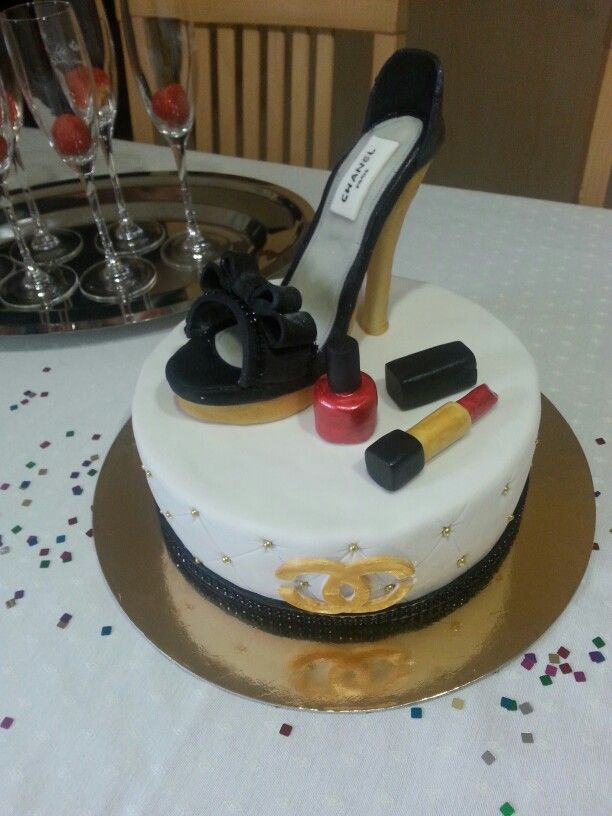 Cake#Chanel#High heels#shoe#make up#girl#glamour#birthday#chocolate#vanilla#Czech#miss.enemy