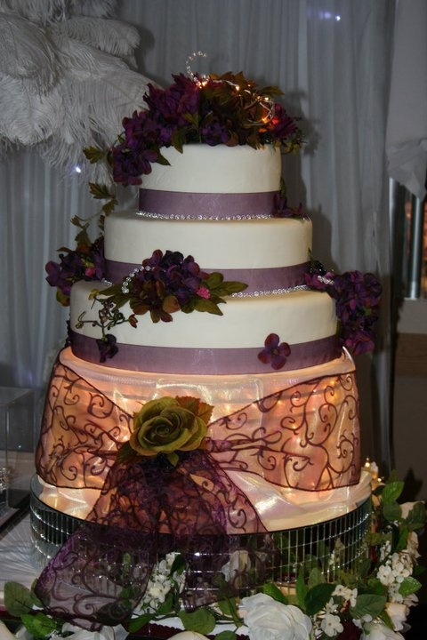 Aglow Weddings & Events.  Lola Illuminated Cake Display.  Available for Rental.  www.AglowWeddings.com