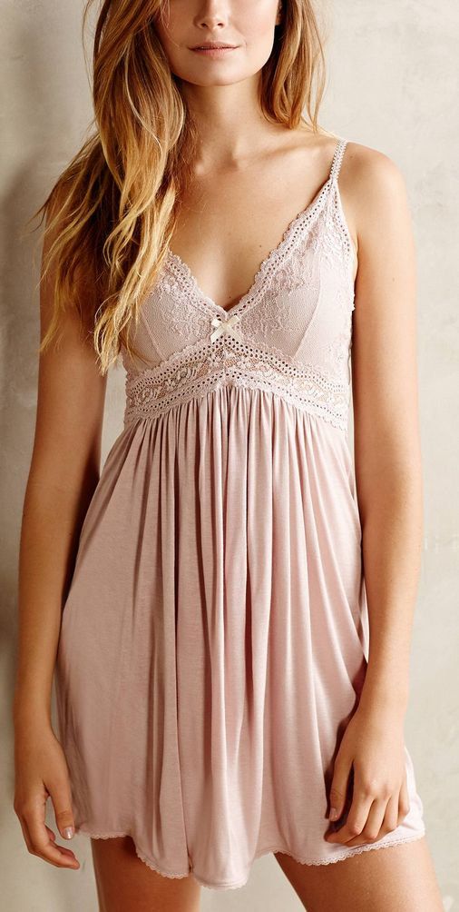 sweet chemise http://rstyle.me/n/whgyan2bn