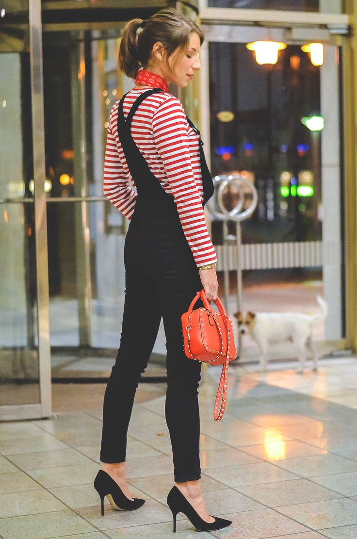 OUTFIT DIE SCHWARZE LATZHOSE - I was wearing a red striped shirt from comme des garçons , a bandana , black dungarees , black christian dior heels / pumps and my small red Valentino bag