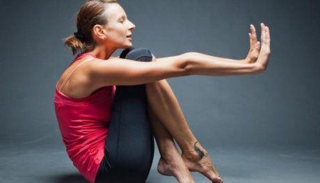 Йога решает проблему стресса, ПМС, гнева