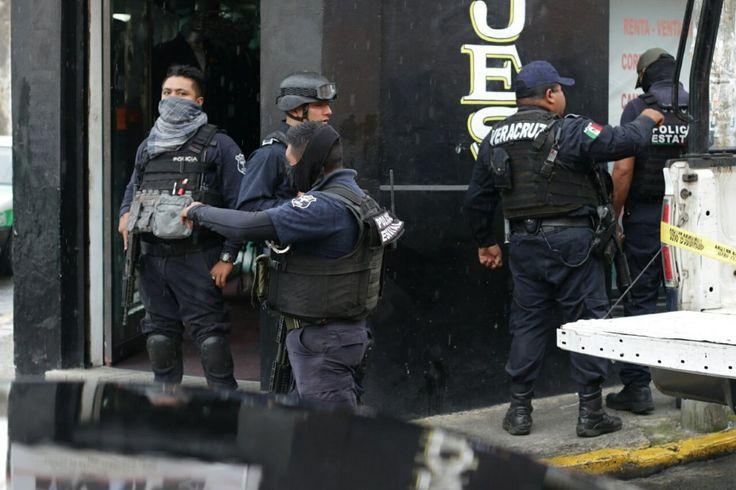 #DESTACADAS:  Dos muertos y cuatro heridos por ataque a bar en Xalapa - La Jornada en linea