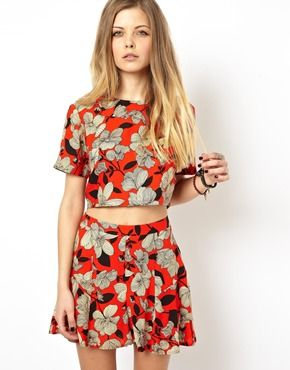 matchy matchy: Red Crop Tops, Floral Prints, Crop Floral, Asos Crop, Crop Tops Sets, Asos Floral, Crop Tops Matching Skirts, Sketchi Floral, Matching Tops