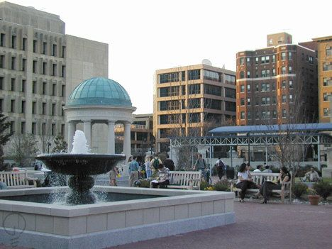 #5 George Washington University, Washington, DC. Ranked #5 of top 10 journalism colleges in the US, 2014, by USA Today