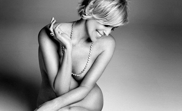 Лина Данэм как есть в рекламе нижнего белья против обнаженной Шарон Стоун после обработки фотошопом http://be-ba-bu.ru/beauty/lina-danem-kak-est-v-reklame-nizhnego-belya-protiv-obnazhennoj-sharon-stoun-posle-obrabotki-fotoshopom.html
