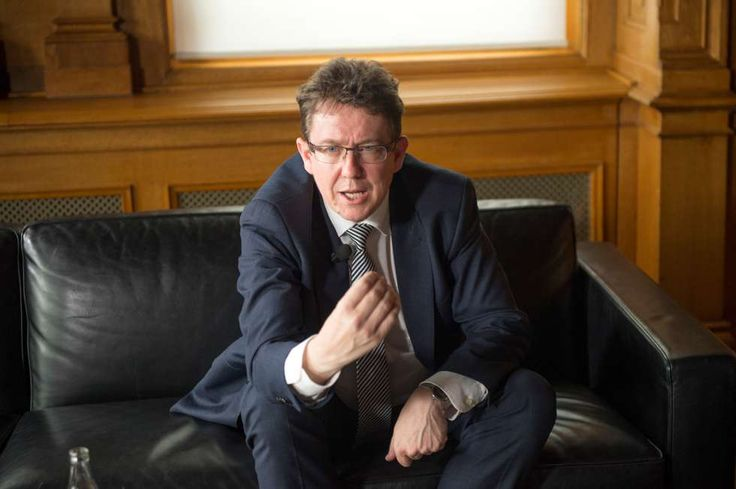 SVP-Chef Albert Röstihat Sorgen in Neuenburg und Winterthur!: «Nicht nur in der Romandie, auch in der Deutschschweiz haben wir es in der Exekutive nicht einfach, wenn man eine geradlinige(egoistische, lobbyistische) Politik betreibt.»