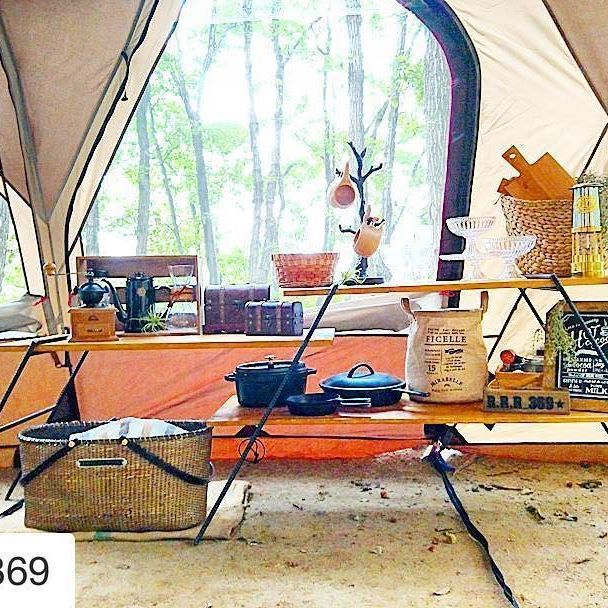 @r.r.r_369 さんphoto✨ ラック上のレイアウトは 使いやすく、かつディスプレイする気持ちで❤ 自分の好きなスタイルに囲まれるための重要な設営&レイアウトポイント✨ *** ** #キャンプ #アウトドア #コールマン #テント #アイアンラック #ディスプレイ #オシャレキャンパー #整理収納 #フジカストーブ #コーヒータイム #珈琲 #キャンプギア #ピクニック #デイキャンプ #camping #outdoor #instajapan #coleman #campgear