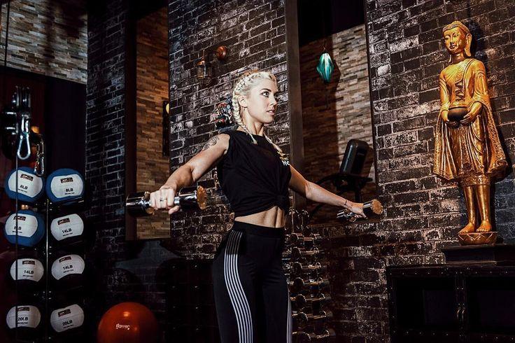 È online sul mio blog l'articolo in cui vi mostro la nuova palestra #McFit di #Piacenza! Vi avevo già postato una foto qui con tutte le lanternine colorate ma finalmente vi posso mostrare meglio quanto è super questa palestra! Correte sul blog! Link nelle mie stories!!  #chiaralosh #proudtobemcfit #mcfitmodels @mcfit_it @mcfitmodels @mcfit_ #mcfit #gym #palestra #sport #fitness #fitblog #fitgirl #fitnessgirl #fitnesslife #fitnessmodel #fitbody #fit #fitgirl #fitnessmotivation #gymlook…