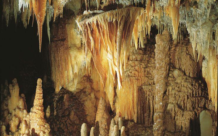 Castellana grotto
