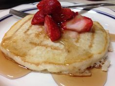 """Pancakes were one of my first meals I made when I started the 21 day fix. I love pancakes and when I found this recipe I knew I had to try it! It has been almost a year since I have made these and my kids asked for """"Halloween"""" pancakes today so i decided to Read More ..."""