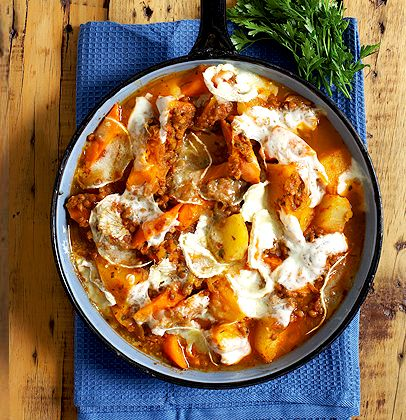 Autumn vegetable stew with grilled cheese