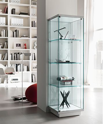 'Broadway Vetrina' Tempered glass showcase. Base and top in white or black lacquered wood. Optional lighting kit.