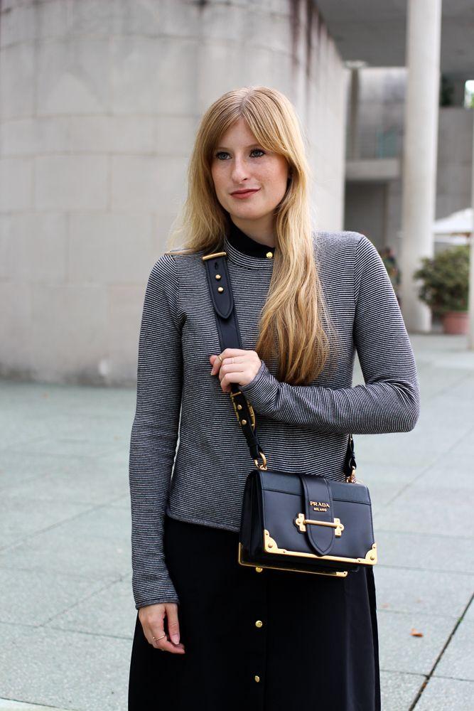 Herbst Trend Tasche Prada Cahier Bag Designertasche kombinieren Zara Pullover Modeblog Herbstoutfit streetstyle ootd blog fall outfit look winter