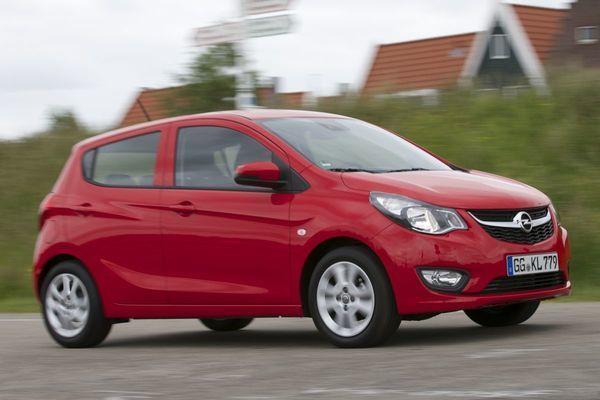 De laatste tijd zien we ook in het kleinste segment steeds meer hippe, trendy modellen. Opel gaat juist terug naar de basis; de Karl is vooral een betaalbare, nuchtere auto voor dagelijks gebruik.  | Auto test
