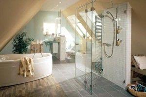 Badezimmerleuchten für eine stimmungsvolle und relaxende Atmosphäre