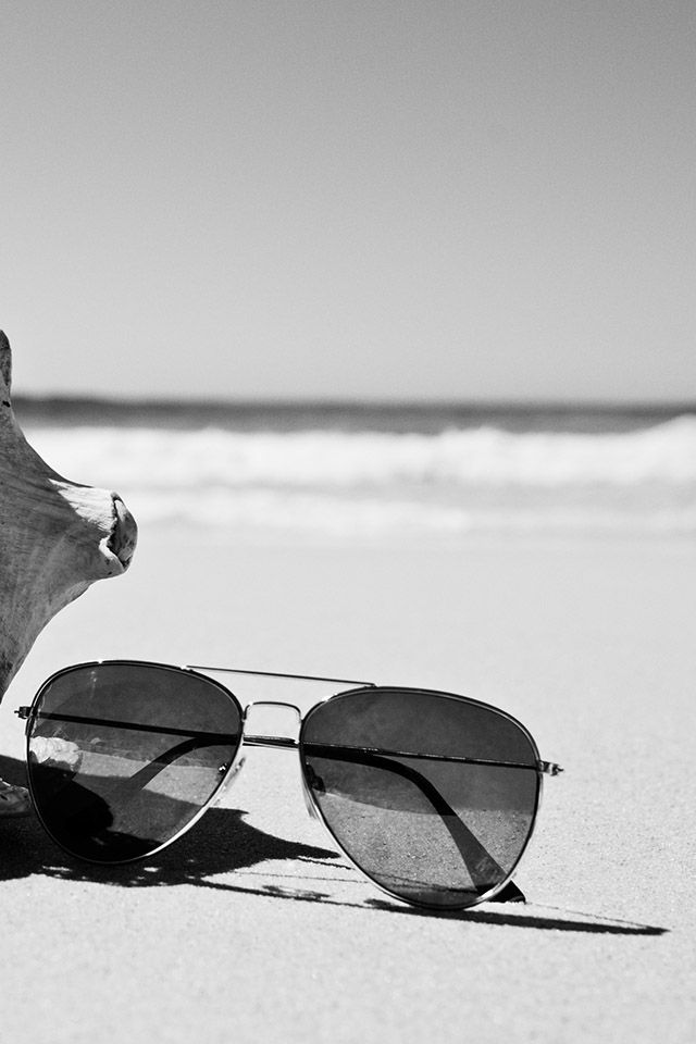 Take it all in with new pair of shades! H&M. #ACCESSORIZEINHM
