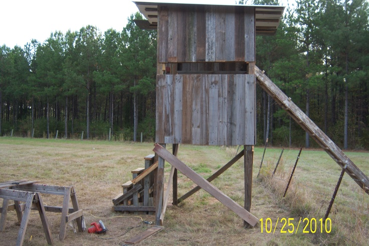 Hunting shoot house the great outdoors pinterest for Inside deer blind ideas