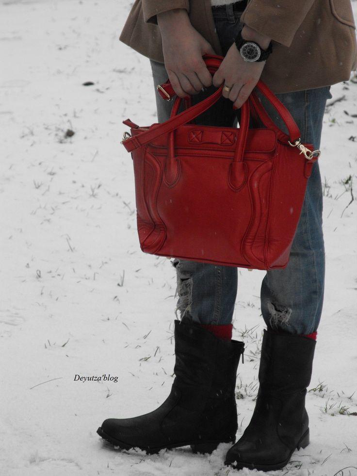 http://www.amiclubwear.com/clothing-outerwear-kk88-3048-jcamel.html?Deyutzablog  http://www.amiclubwear.com/shoes-booties-dnd-outlaw-1black.html?deyutzablog