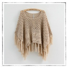 $35.99 knit poncho with fringe35 99 Knits, Perfect Piece, Closets Full, Veronica Room, Ponchos Tejidos, Dreams Wardrobes, Knits Ponchos, Affordable Fashion