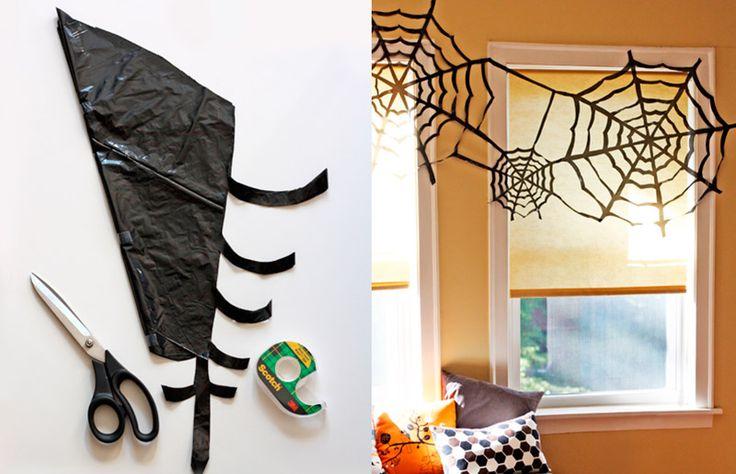 Ideia e inspiração para decoração de festa de Halloween / Dia das Bruxas // Teia de aranha com plástico // +em casaecozinha.com :-)