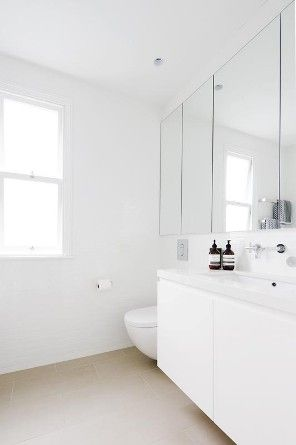 T01 Architecture - Projects - Paddington - bathroom - white modern mirrored cabinets