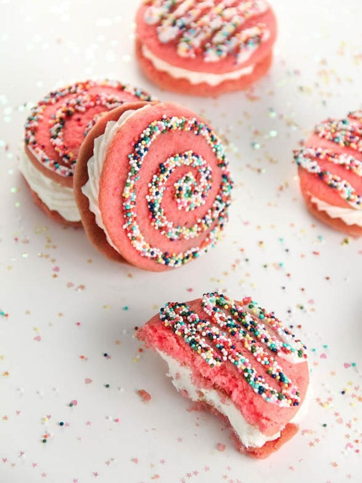 224 best diy wedding ideas images on pinterest planning a wedding 30 wedding desserts you can make yourself solutioingenieria Gallery