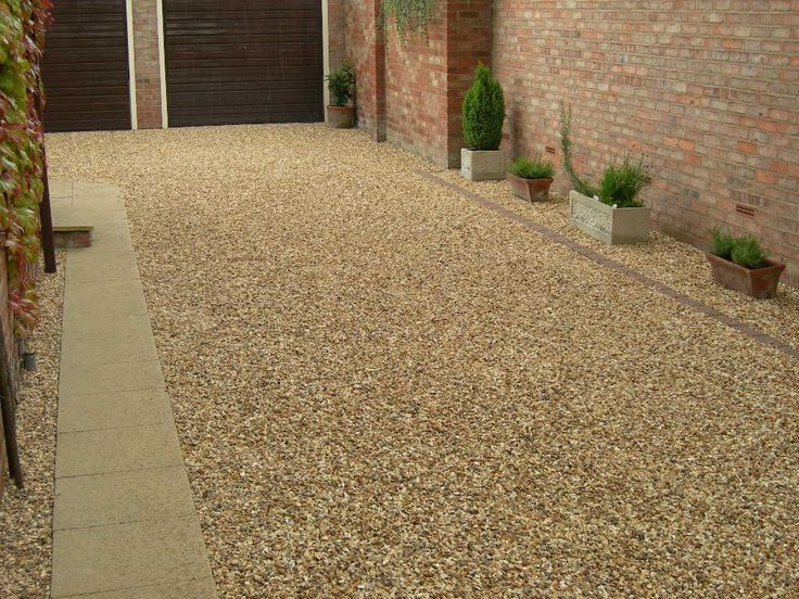 Golden Corn Flint Gravel Used On A Domestic Driveway