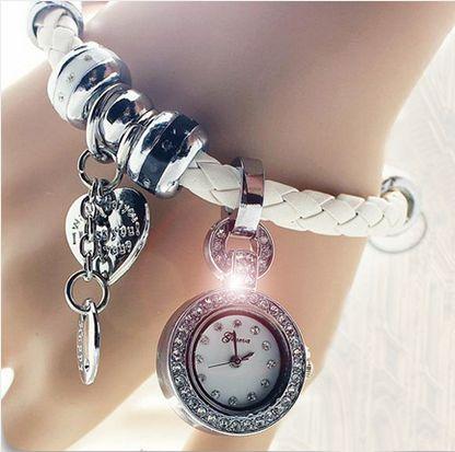 Часы Geneva на белом кожаном браслете в стиле Pandora