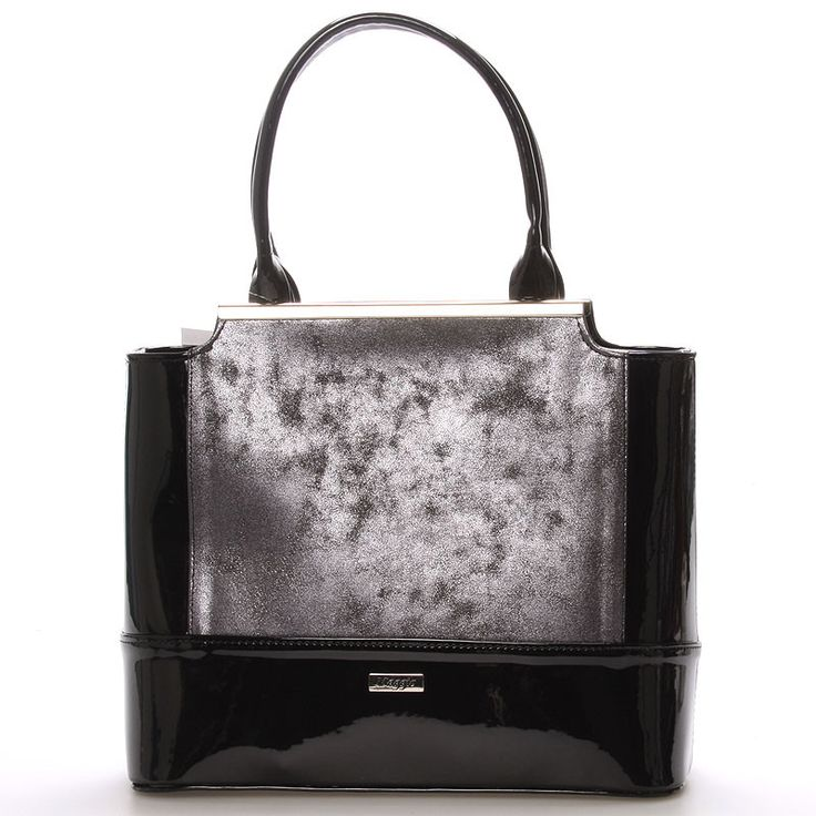 #kabelka #ples Luxusní černo grafitová lakovaná kabelka Maggio z kolekce 2016. Kabelka má grafitové čelo. Je malá, pevná, uvnitř jsou menší kapsy na drobnosti. Zapínání zipem má po celé délce. Na zadní straně má praktickou kapsu na zip. S touto kabelkou si můžete vyjít na ples, recepci, či do divadla.