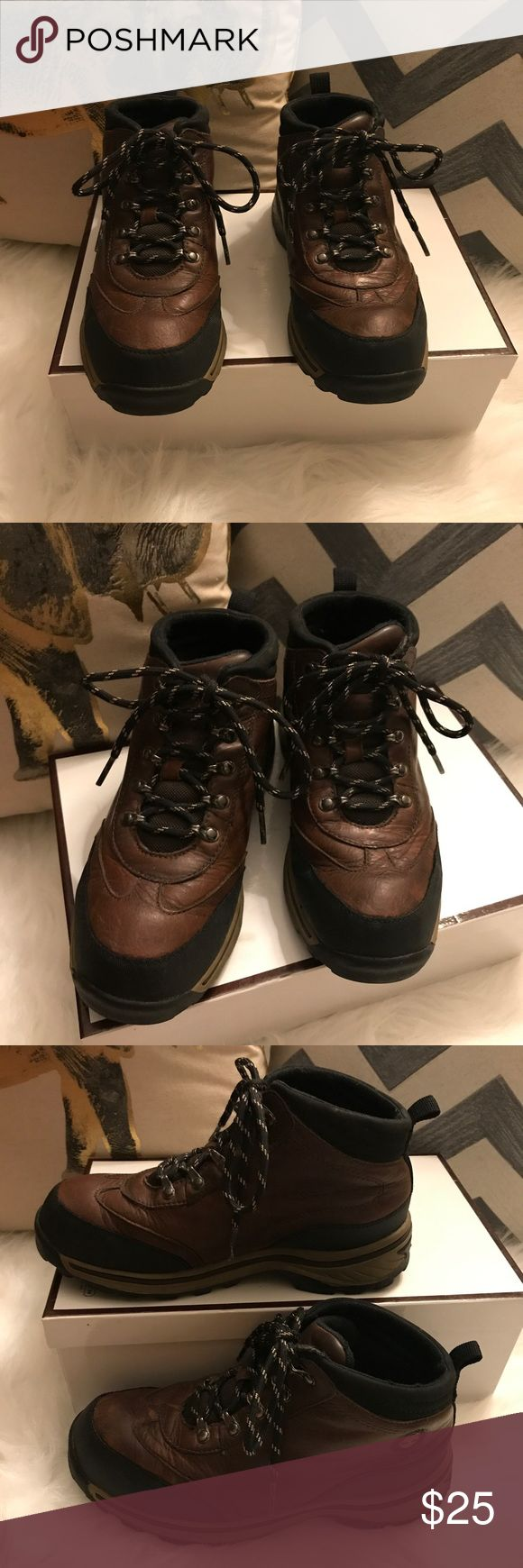 TIMBERLAND hiking boots for big kids. Size:3 TIMBERLAND hiking boots for big kids. Size:3. Good used condition with some minor creasing. Timberland Shoes Boots