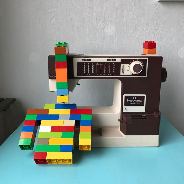 Artsy and craftsy. A sewing machine that sews duplo clothes! Finally! One of my more popular pics on Instagram. #syslöjd #kidsfashion #fashionkids #fashionbaby #babyfashion #craft