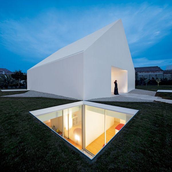 Aires Mateus, House in Leiria, Leiria, Portugal © Fernando Guerra | FG+SG