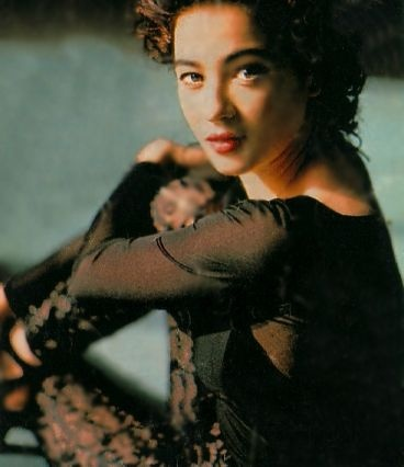 Moira Kelly (born March 6, 1968)