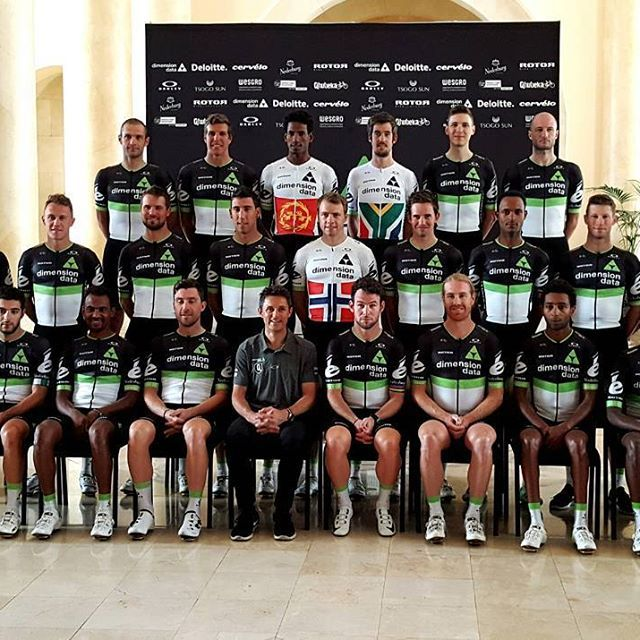 All the guys looking rather smart in their 2017 team kit by @damianmurphy28