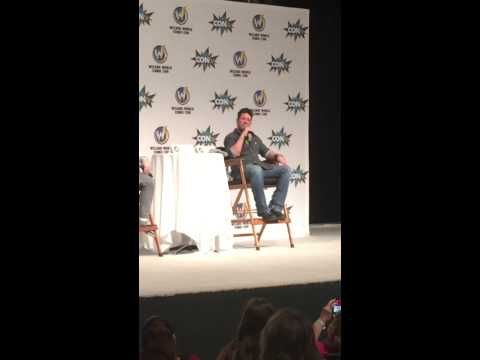 "#WizardWorld VIDEO: Here's Christian Kane Singing His Song, ""Thinking Of You"" At Wizard World Comic Con St. Louis 