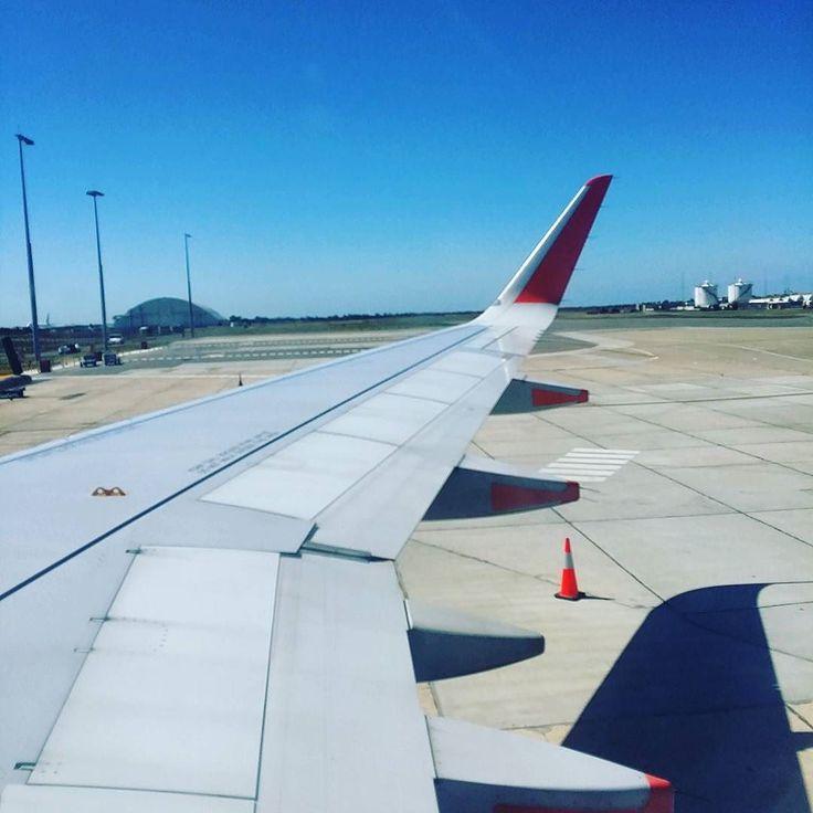 Before takeoff.. window seat stayed empty..  #bonvoyage my return flight syd-melb with Jetstar cost me $88 AUD return  #jetstar #travel #wing #windows eat #avalon #aviation #psytrips #myphotography #flight #frugaltravel #frugaltraveller #bargainhunter