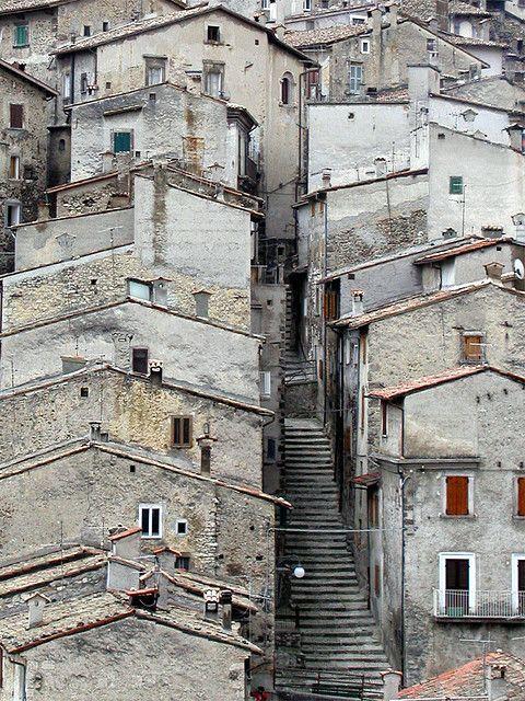 A Street in Scanno, Abruzzo, italy. #TuscanyAgriturismoGiratola