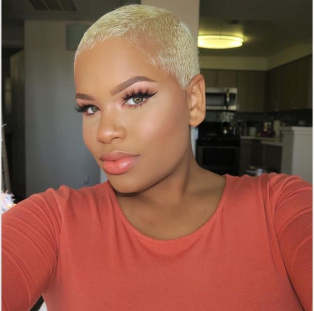 Alissa.Ashley in TooFaced Sweet Peach Collection