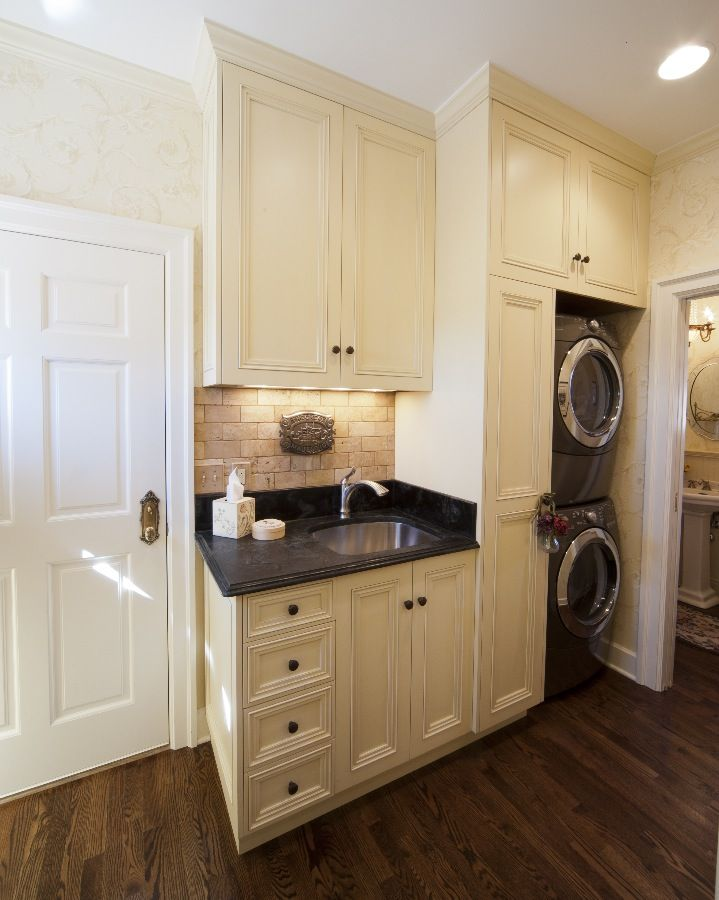 Bright, cheery laundry room. Distribution outside Pinterest prohibited.  Re-pins welcome. Photo: © 2012 Parrish Construction- Boulder, CO (303-444-0033). http://www.parrishbuilt.com