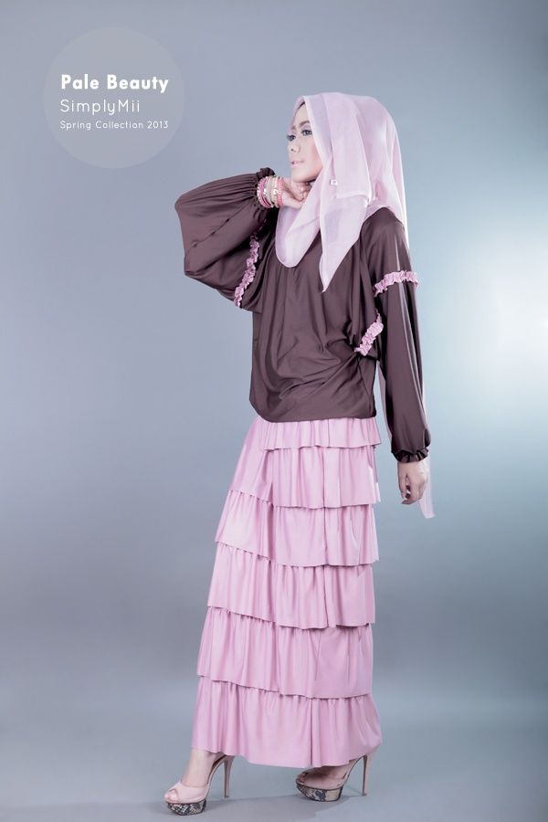 #SimplyMii #Sofie Ovale Top - Pale Dark Chocco with dusty pink frill - Korean Jersey - IDR 195.000  Sofie Volante Skirt - Dusty Pink - Korean Jersey - IDR 265.000