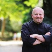 Belgian chef Pierre Balthazar started out working for Yves Mattagne, after which he moved on to become Executive Chef at various leading hotels in Belgium and Germany. The past ten years he spent coordinating prestigious dinners for heads of state as Executive Chef for the Council of the European Union, where he met many international top chefs and learned a lot about different gastronomic cultures, traditions and protocols.