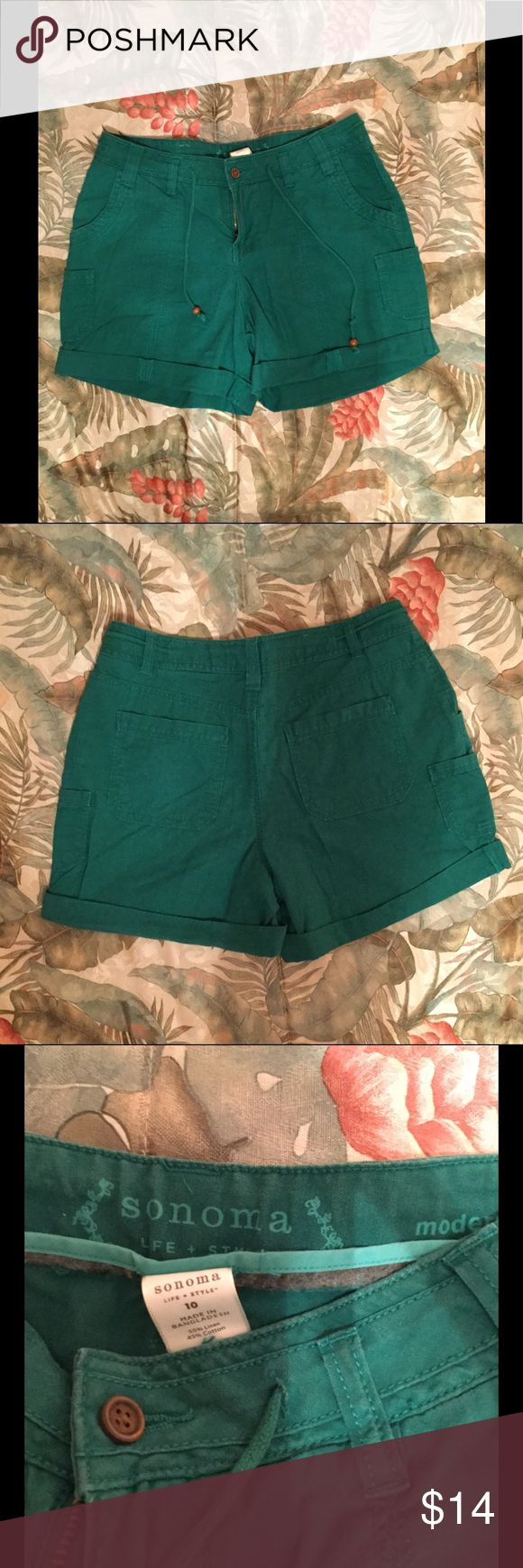 "Women's green Sonoma shorts size 10. Cargo style. Sonoma green cargo style women's shorts in size 10. 4 1/2""  inseam. Front button, zipper and tie closure. Belt loops. Cuffed at the bottom. 55% linen, 45% cotton. Machine wash/tumble dry. Pockets in front, back and sides. No trades please. Thanks for visiting my closet! Sonoma Shorts"