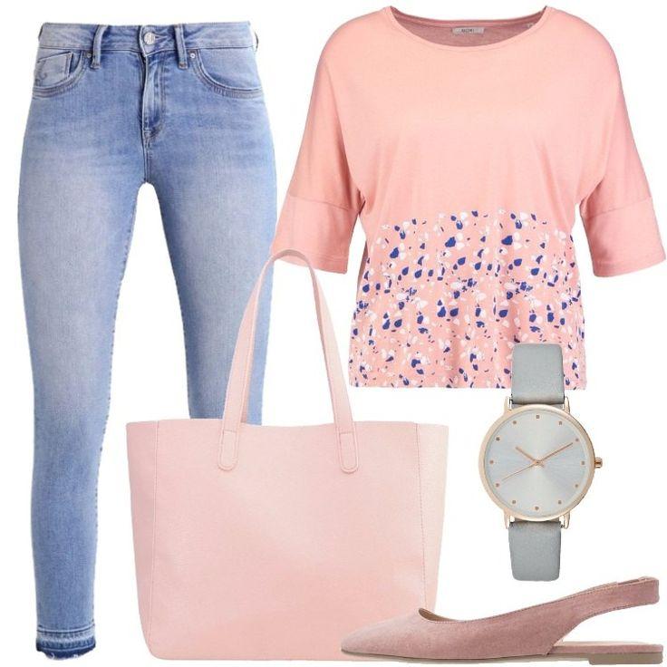 L'outfit è composto da un jeans, una T-shirt color pesca con scollo tondo, un paio di ballerine, una shopping bag rosa in fintapelle e da un orologio.