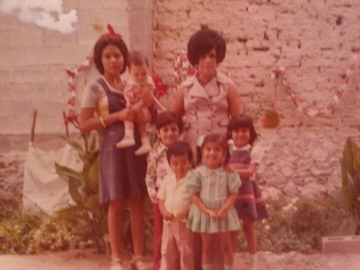 Tia artemisa, irma, giovis, mario,manolo,monica y yo