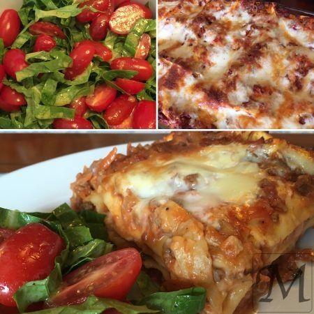 Een af børnenes favoritter er lasagne. Egentlig kunne vi ret godt lide Miracolis lasagneblanding, men den kan ikke fås mere og iøvrigt er der da noget over en sådan rigtig hjemmelavet lasagne!  Så jeg satte kødsovsen over i god tid,   #lasagne #salat #tomat