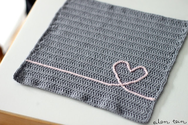 "Idea for placemat for Maddie. ""Very, very lovely dish cloth, instructions in Finnish, but I think you'll get it! Tiskirätti - virkkausohje"""