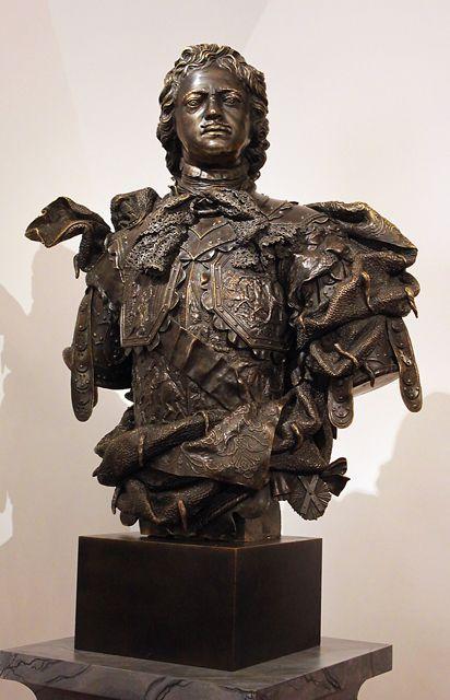 Б.-К. Растрелли. Бюст Петра I. 1723-1 729 гг. На кирасе ...