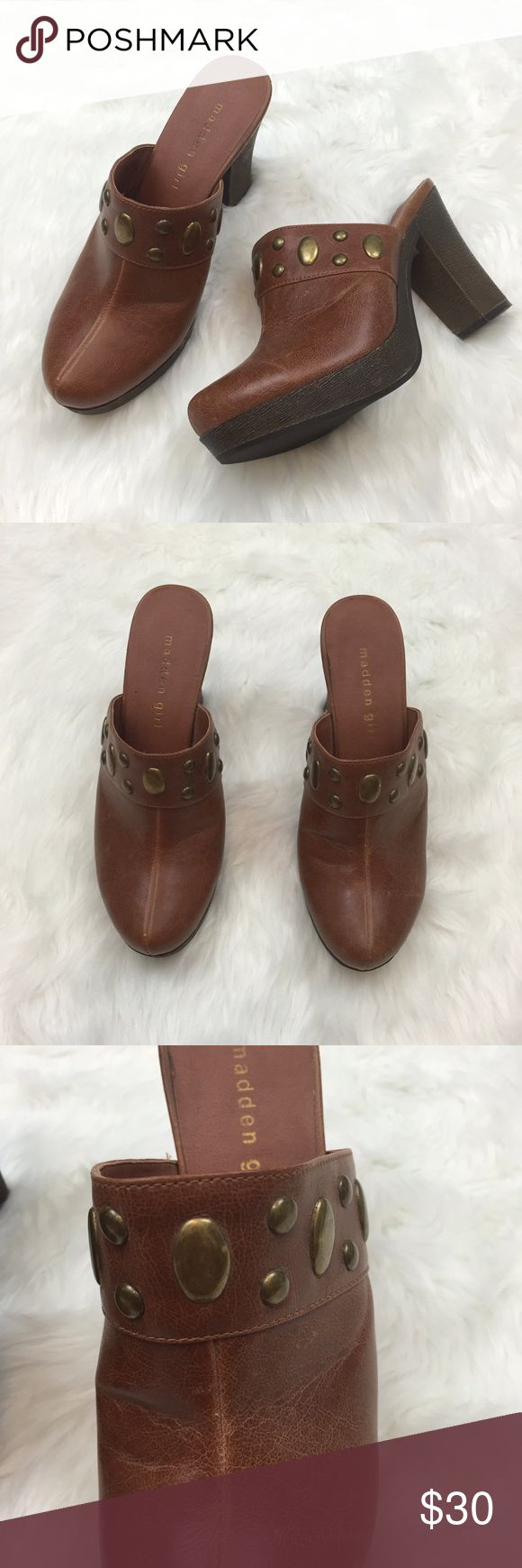 🎁MADDEN GIRL Brown Heeled Mule Clogs Used several of times.  In great condition Madden Girl Shoes Mules & Clogs