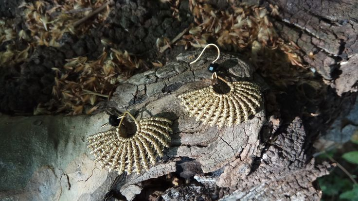Macrame fanshaped earrings - Micro macrame earrings, gold earrings, dangle earrings, boho style!